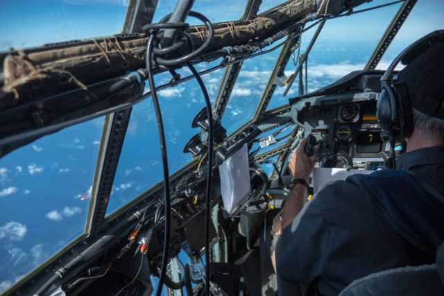 The research was carried out on a C-130 aircraft surveying the Great Pacific Garbage Patch at a height of 400 m and a speed of 140 knots.