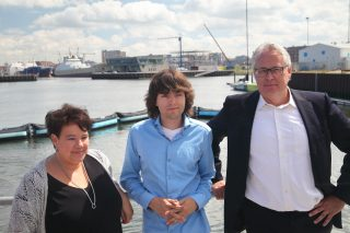 Sharon Dijksma, Dutch Minister for the Environment, Boyan Slat, CEO and Founder of The Ocean Cleanup and Peter Berdowski, CEO of Boskalis at the unveiling of the North Sea Prototype, June 22, 2016