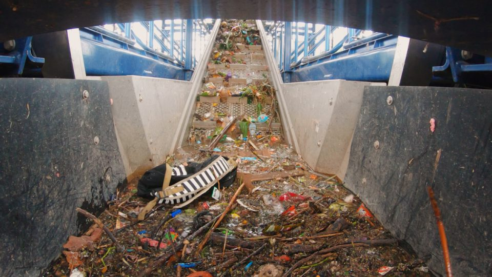 Conveyor belt in Interceptor™ 001 in Chenkareng drain, Jakarta, Indonesia