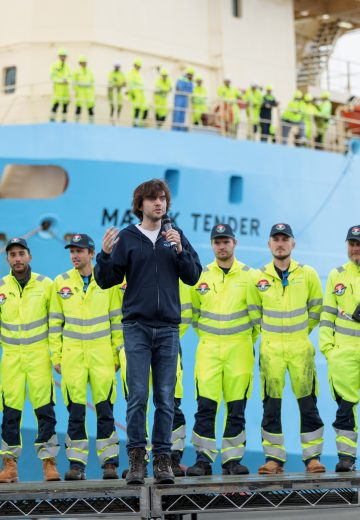 October 20: Boyan Slat, CEO and Founder sharing a few words about the test campaign of System 002, how we got here and what the next steps are. System 002 has lead us to proof of technology, and after this short celebration, it will go back out to the Great Pacific Garbage Patch to capture more plastic.